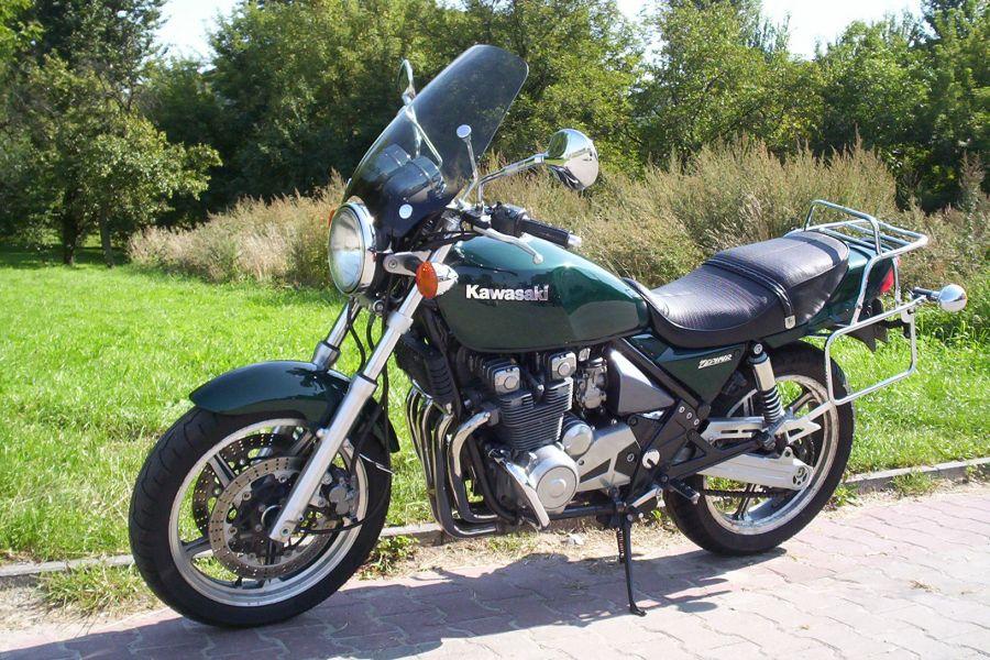 1991 Kawasaki Zephyr 550 - Moto.ZombDrive.COM
